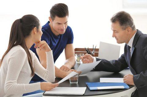 Homeowner talking to Public Adjuster Regarding Insurance Claim