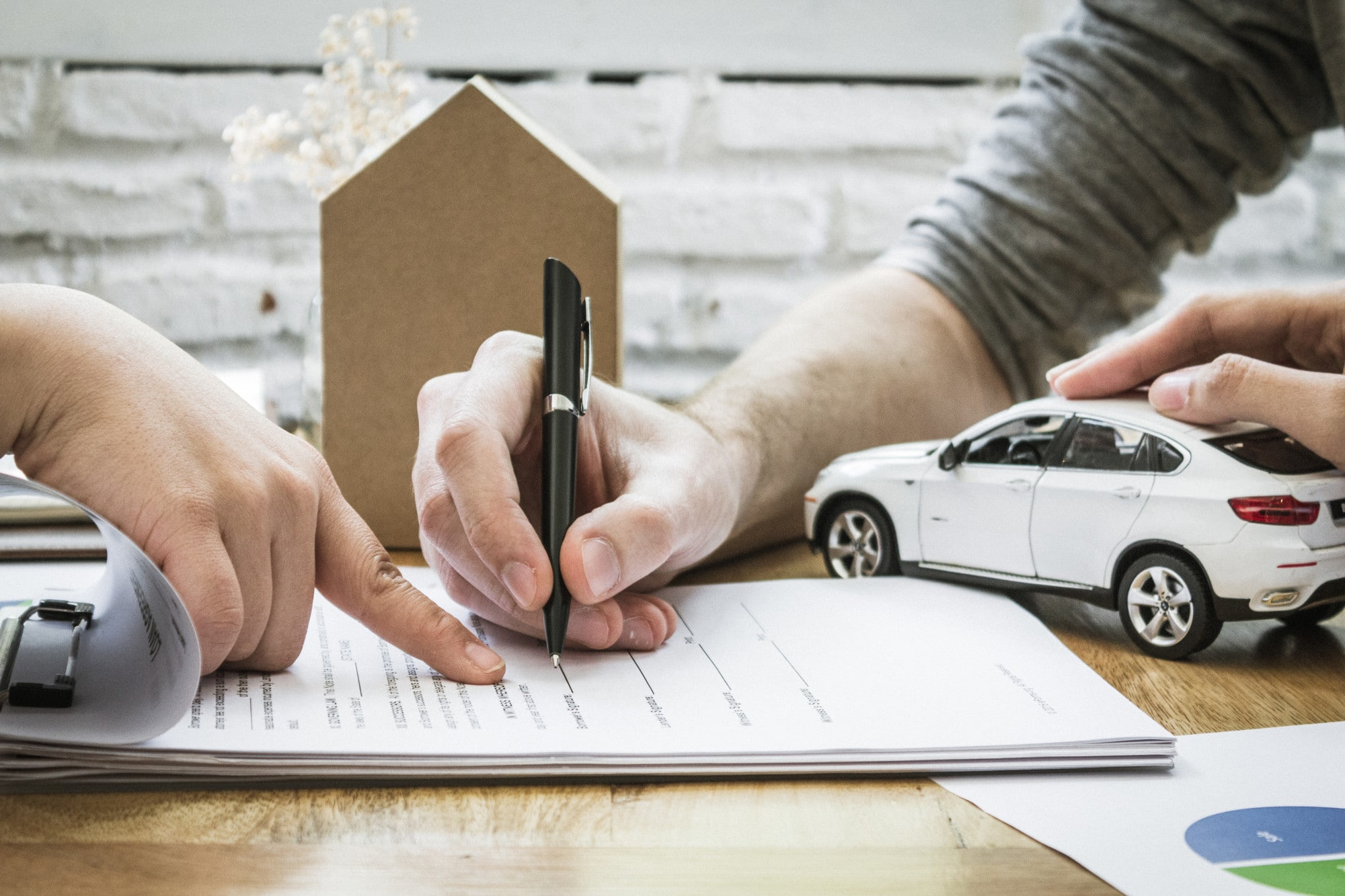 9 Tips on How to Lower Car Insurance Premiums