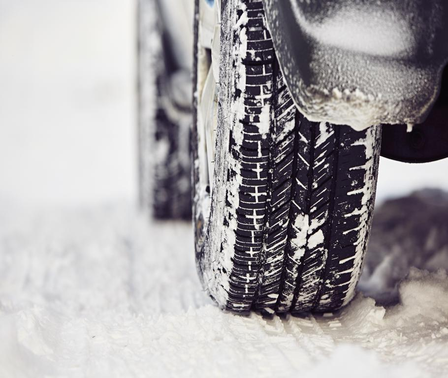 Winter Driving Tips and Survival Car Kit Essentials